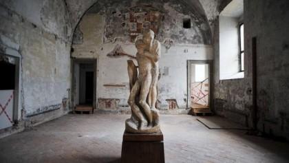 Trasferimento della copia in gesso del 1956 della Pieta' Rondanini di Michelangelo Buonarroti dall' Ospedale Spagnolo del Castel