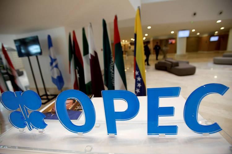 Petrolio:Putin,pronti taglio produzione