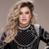 Kelly Clarkson - 005 - credit Vincent Peters[1]